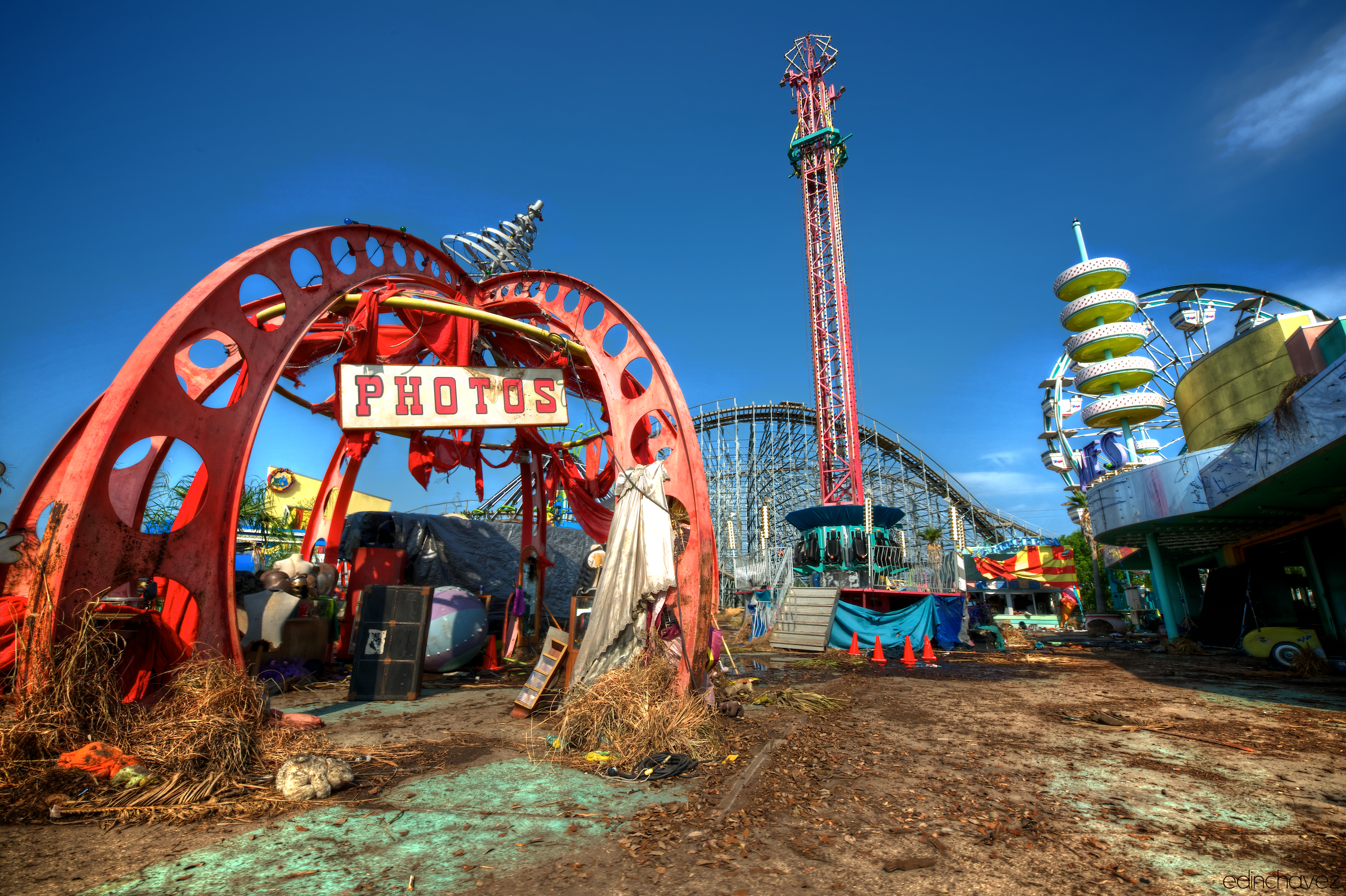 Six Flags New Orleans Feral Cities - 10 years hurricane katrina six flags theme park new orleans still lies abandoned 10 years